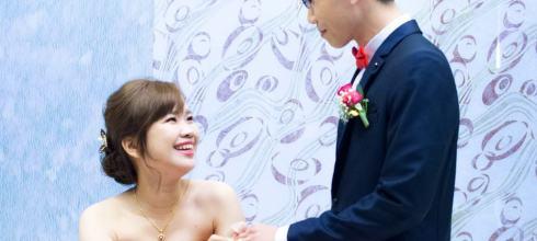 婚宴新娘秘書│年輕自然心微的訂婚紅色禮服造型