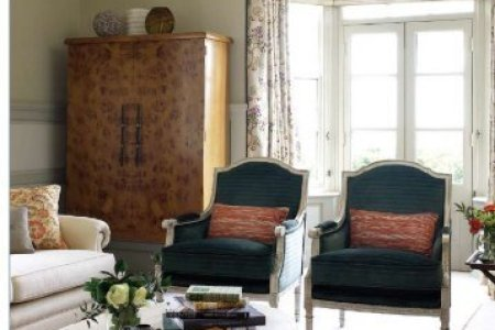working with an interior designer concept interior ?quality=80