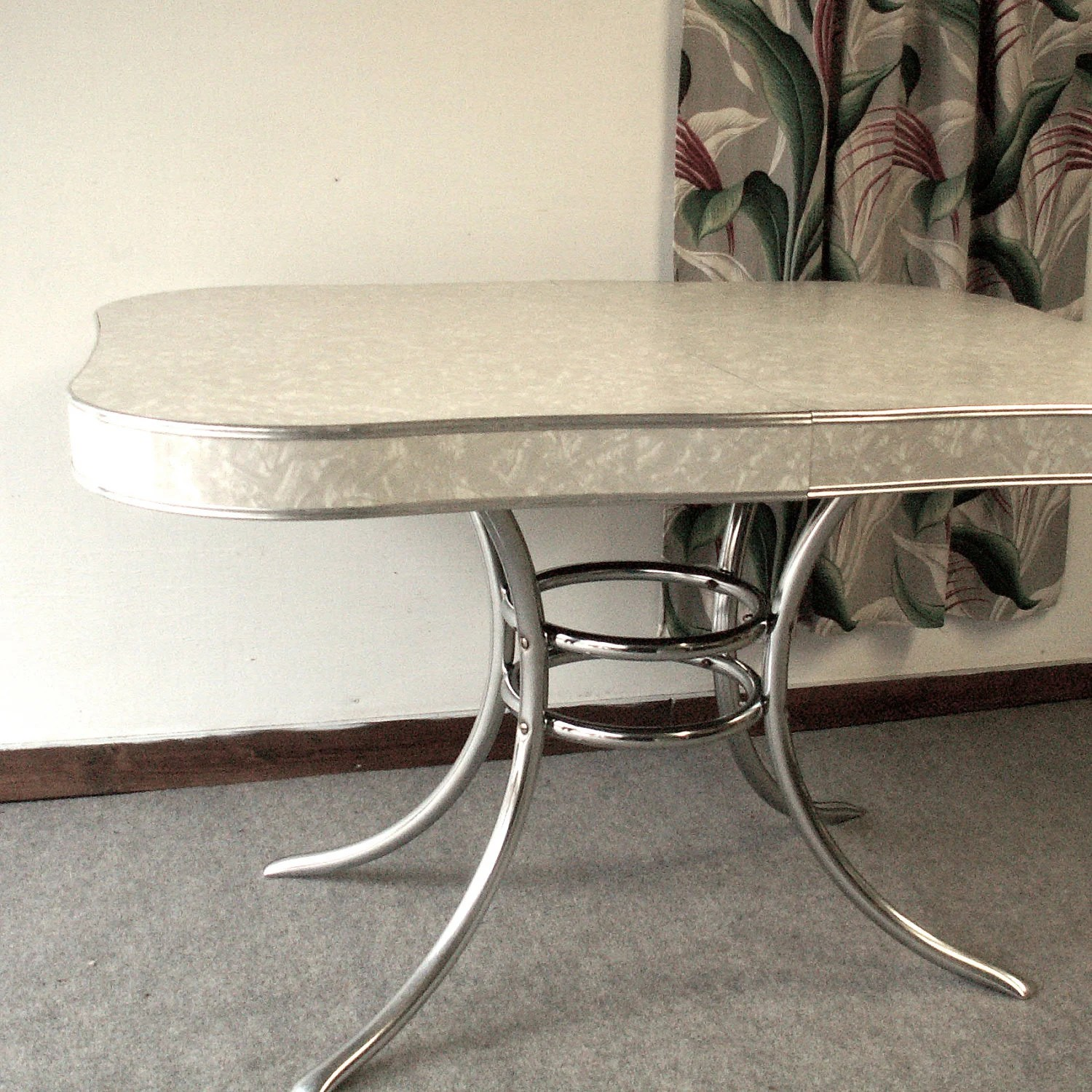 vintage s formica and chrome kitchen s kitchen table Vintage s Formica and Chrome Kitchen Table zoom