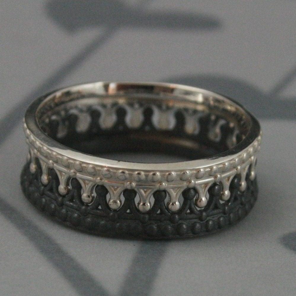 black crown ring crown wedding rings Black and Sterling Silver Crown Band SET Check Mate Crown Ring Queen and King Wedding Band Set