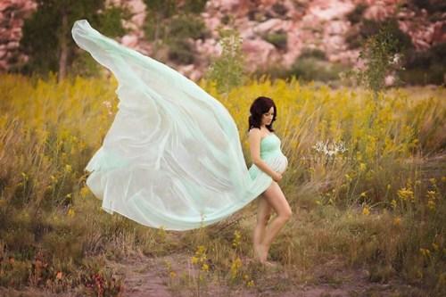 Medium Of Maternity Dresses For Photoshoot
