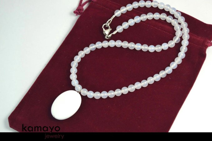 WHITE CHALCEDONY NECKLACE...