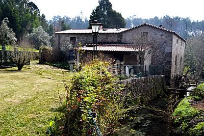 Casa rural situada en las orillas del río Lima Viana do Castelo