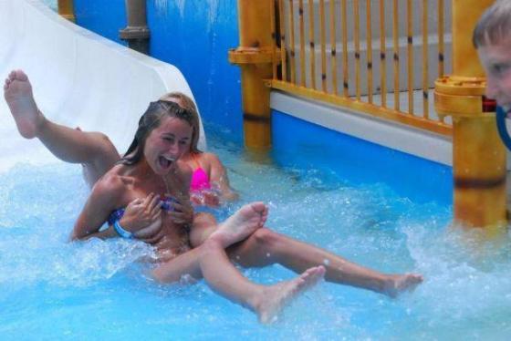【水着画像】スタイルバツグンの女の子達のハプニング画像集めてみましたww 19