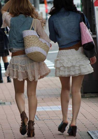 【スケスケ画像】スッケスケ女の子&鉄棒パンチラ女の子の画像を集めましたww 03