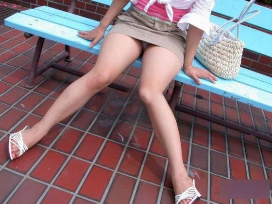 【パンチラ画像】見えて当たり前のパンチラばっかな女の子たちの画像を集めてみましたww 19