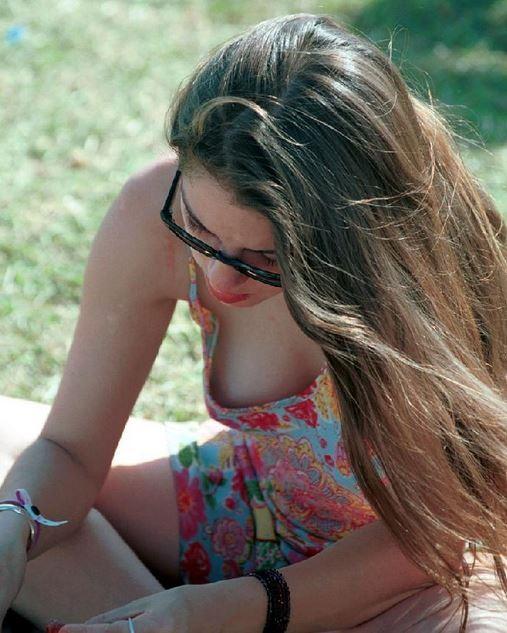 【ハプニング画像】世界中の女の子たちがどうしてもエロく見えてしまう画像を集めてみましたww 07