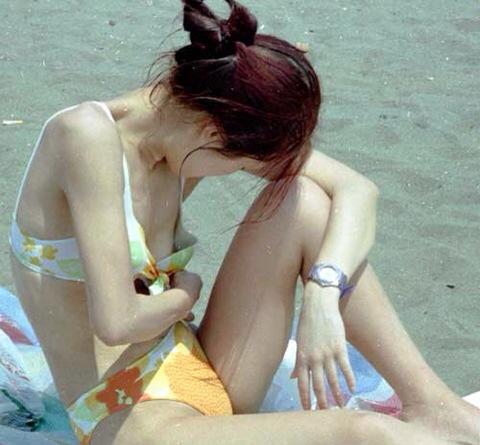 【ポロリ画像】世界中の女の子達のおっぱいのポロリ画像を集めてみた結果ww 15