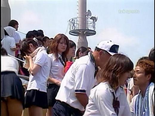 【放送事故画像】甲子園始まったし応援席のハプニング画像うPするわ! 17