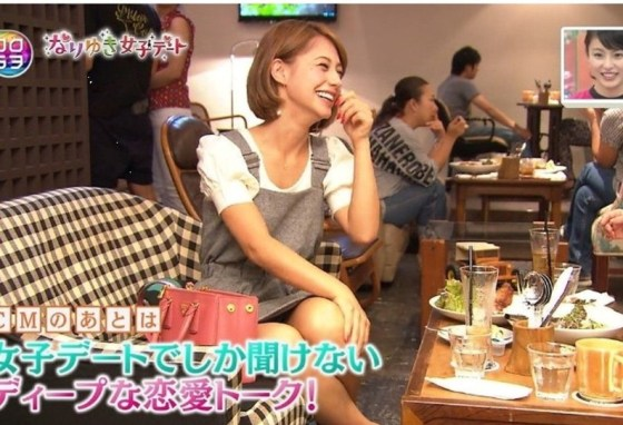 【放送事故画像】テレビでパンチラの期待値が高めな女性タレント達ww 24