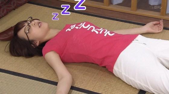 【寝顔キャプ画像】思わず夜這いでも仕掛けたくなるような、女子アナやアイドルの可愛い寝顔ww 16