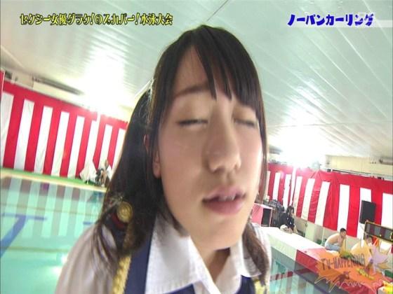 【お宝エロ画像】スカパー水泳大会でアナルが映っちゃってるぞwww(ノーパンカーリング編) 10