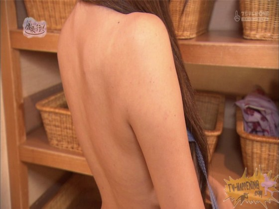 【お宝エロ画像】美女の脱衣シーンから、お尻丸出しでテレビに出ちゃう有能番組もっと温泉に行こう! 55