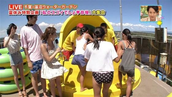 【水着キャプ画像】素人から女子アナやアイドルまでテレビでエロい水着でオッパイ強調しまくりンゴww 24
