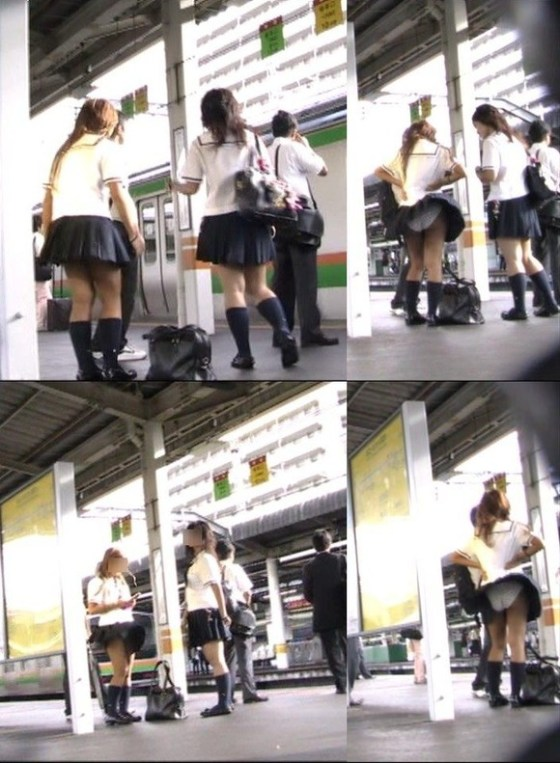 【パンチラハプニング画像】JKのスカートが風でめくれあがって大変な事になってるぞww 07