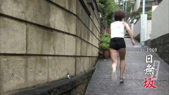【太ももキャプ画像】美脚自慢の綺麗な脚のタレント達がパンチラ寸前まで太もも露しまくりww 04
