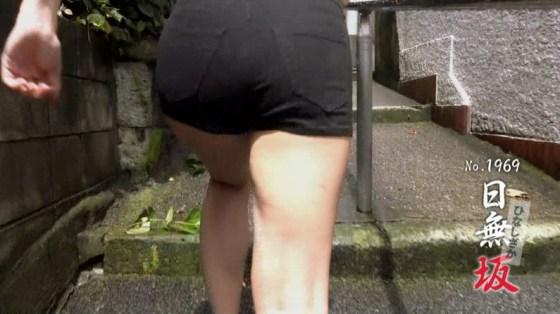 【太ももキャプ画像】美脚自慢の綺麗な脚のタレント達がパンチラ寸前まで太もも露しまくりww 05