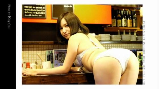 【お尻キャプ画像】テレビで水着からハミ尻しまくりの美女達がエロすぎww 06