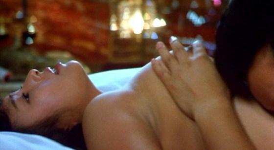 【濡れ場キャプ画像】濡れ場を演じてる女優さんがガチで感じちゃって乳首ピンコ立ちしちゃってるぞww 11
