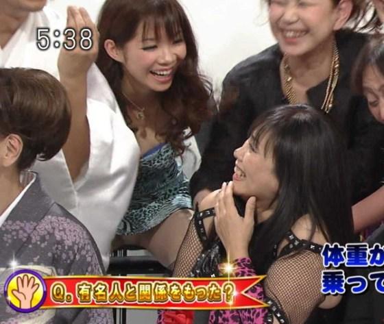 【放送事故画像】パンツ見てほしいらしく、テレビにまでパンツを晒す女達ww 05
