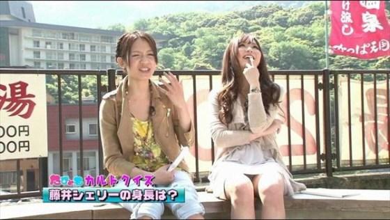【放送事故画像】パンツ見てほしいらしく、テレビにまでパンツを晒す女達ww 14