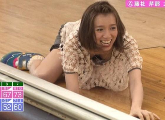 【放送事故画像】テレビでオッパイぷら~んwww 19