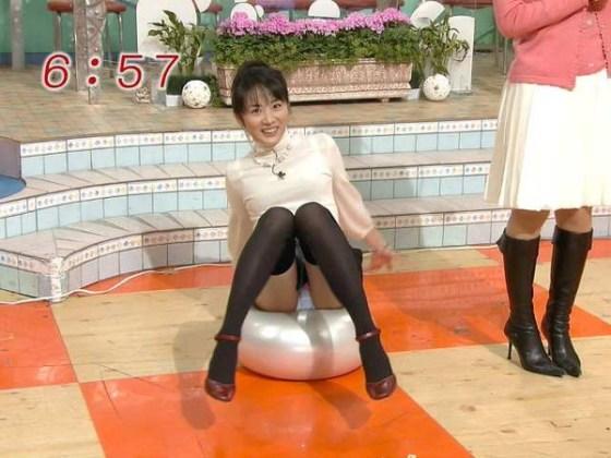 【放送事故画像】女子アナのパンチラや胸ちら総集編wエロすぎですwww 04