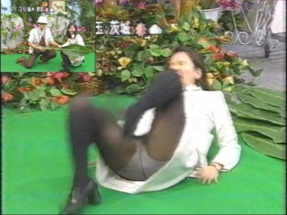 【放送事故画像】女子アナのパンチラや胸ちら総集編wエロすぎですwww 07