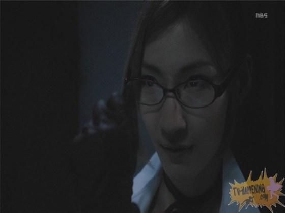【お宝エロ画像】監獄学園第3話!脱衣シーンで女の下着姿映りまくりww 29