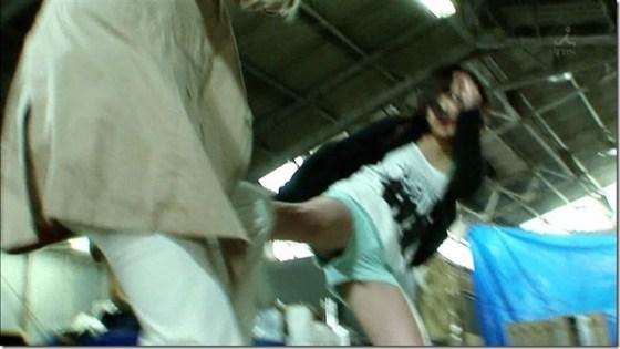 【お宝エロ画像】女優の戦ってるシーンで見えるパンツがエロすぎるwww 07