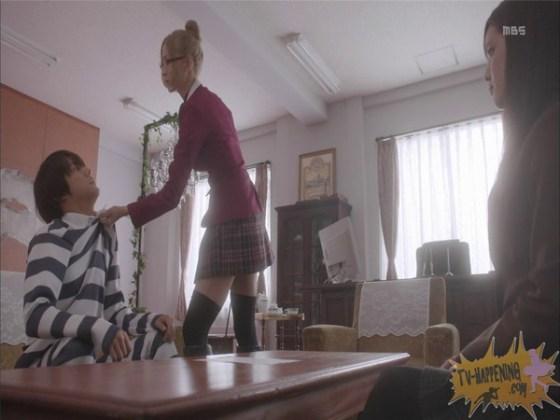 【お宝エロ画像】監獄学園第4話!まさか、脱衣からの聖水シーンまでやっちゃう!? 06
