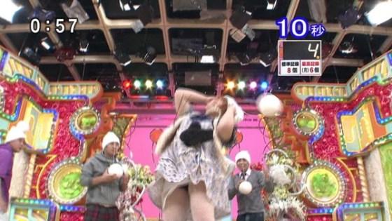 【放送事故画像】女のパンツが見たいか?ならテレビつけてみろ、こんなに見れるからww 21