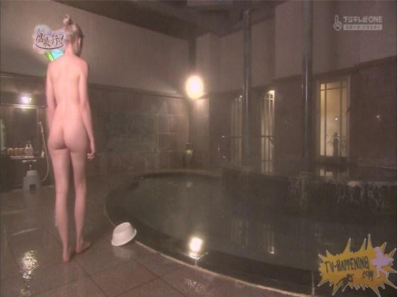 【お宝エロ画像】今回の温泉に行こうは外人の金髪美女!!お尻マジエロいwww 37