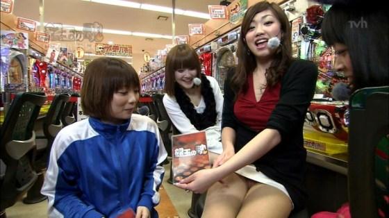 【放送事故画像】テレビでパンツ見えてようが別に平気な女達www 06