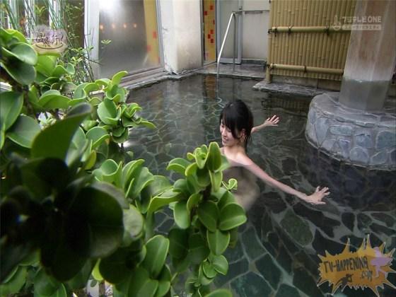 【お宝エロ画像】いつ見ても安定のエロさを誇る温泉に行こうに出てくるお尻www 68