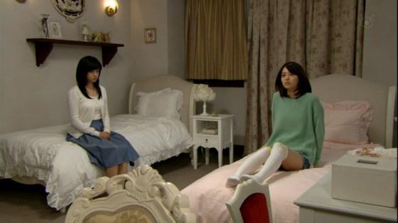 【放送事故画像】全体的に見たら綺麗な足だけど太ももだけ見たらエロくない?ww 02