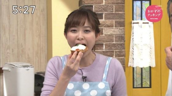 【放送事故画像】この女達は完全に狙ってこんな食べ方してるんだろうなww 12