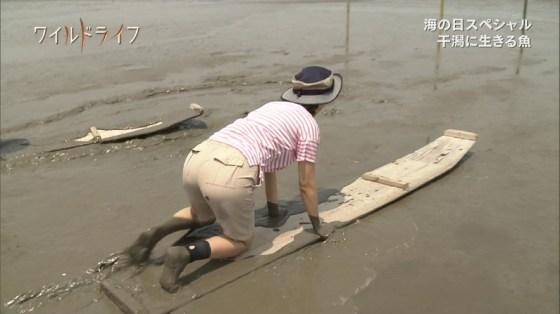 【放送事故画像】テレビでお尻突きだしちゃって形も大きさも丸わかりな女達www 06