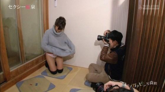 【放送事故画像】素人でも芸能人でも容赦無く映すカメラマンが捕えたパンチラwww 03