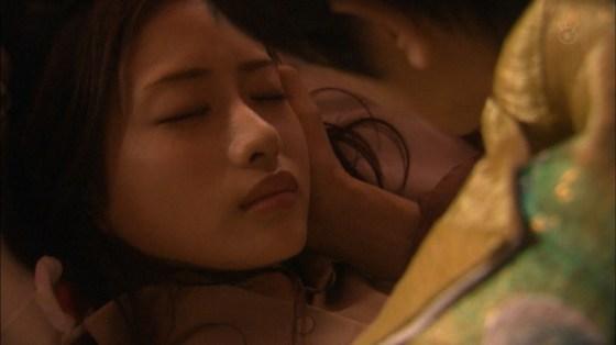 【放送事故画像】見てるこっちが照れちゃいそなキス顔やキスシーンwww 12