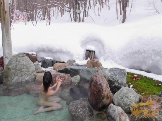 【お宝エロ画像】お尻フェチにはたまらない番組「温泉に行こう!」で今日も美女のお尻がドアップで映るww 25