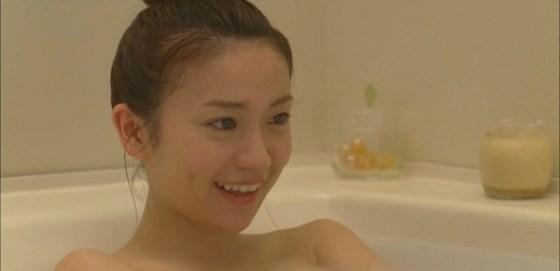【放送事故画像】テレビで一番露出する瞬間ってやっぱり入浴シーンだよなww 14