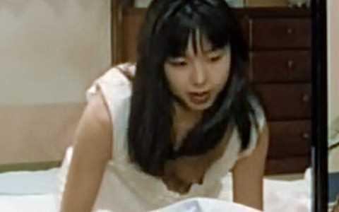 【放送事故画像】テレビ見てたらオッパイいっぱい、谷間がエロすぎる女性タレント達ww 23