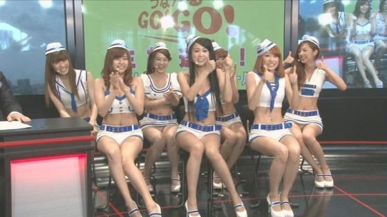 【放送事故画像】ナイスボディーをテレビで披露!可愛いおへそがたまらんごww 04