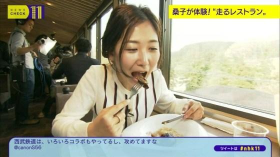 【擬似フェラ画像】エロい表情で食レポする女子アナ達の擬似フェラテクニックがやばいww 15