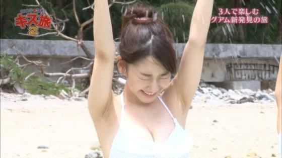 【水着キャプ画像】アイドル達のビキニからこぼれんばかりのオッパイがエロすぎてたまらんww 24