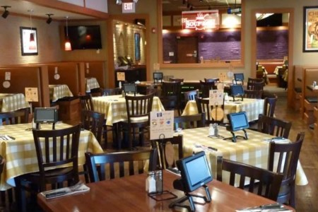 pizzeriauno restaurant dubai interior 54 990x660 201405311639