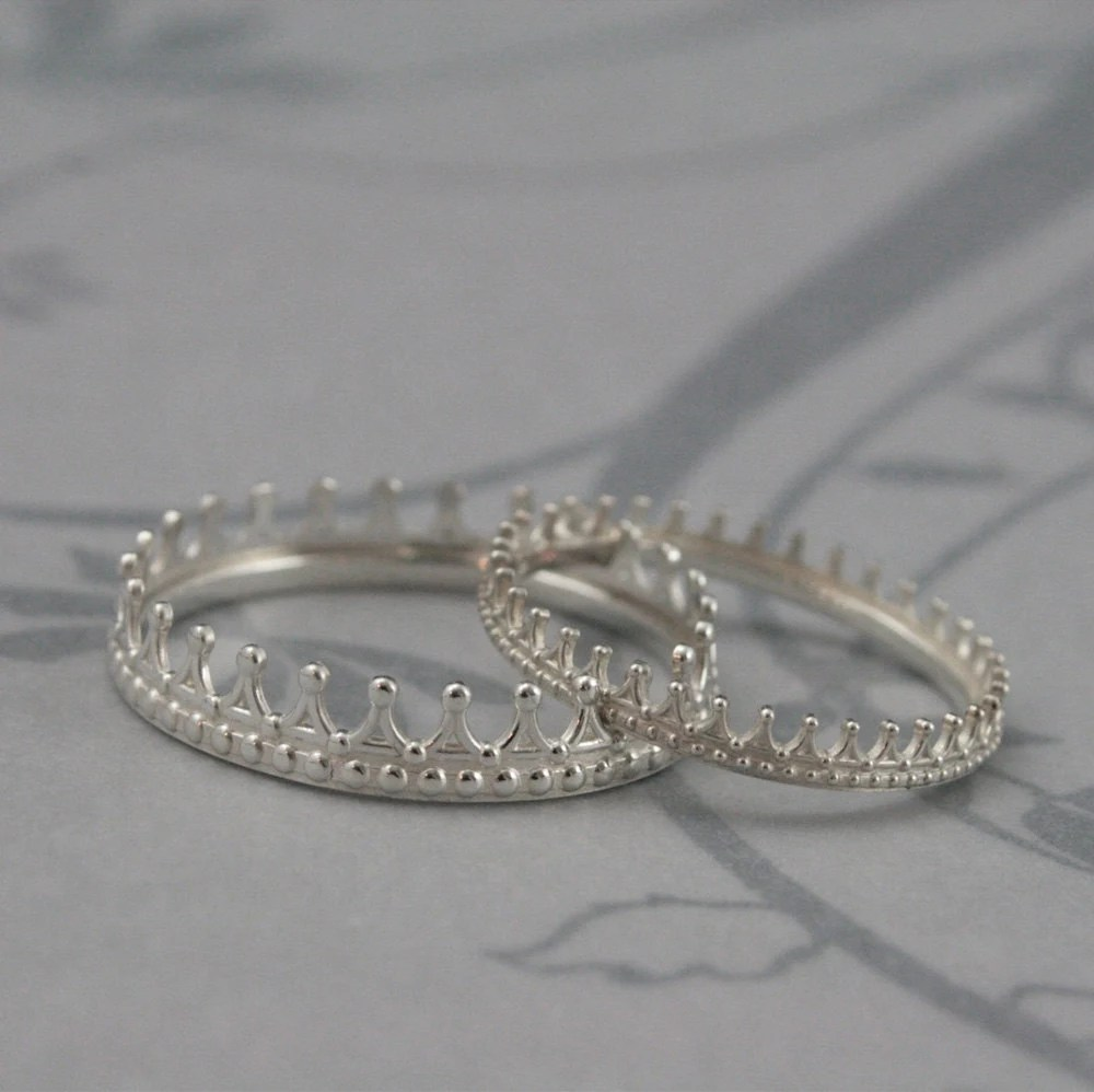 king and queen check mate crown wedding crown wedding rings zoom