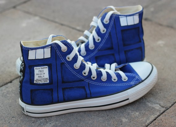 Custom Doctor Who TARDIS Chucks DIY