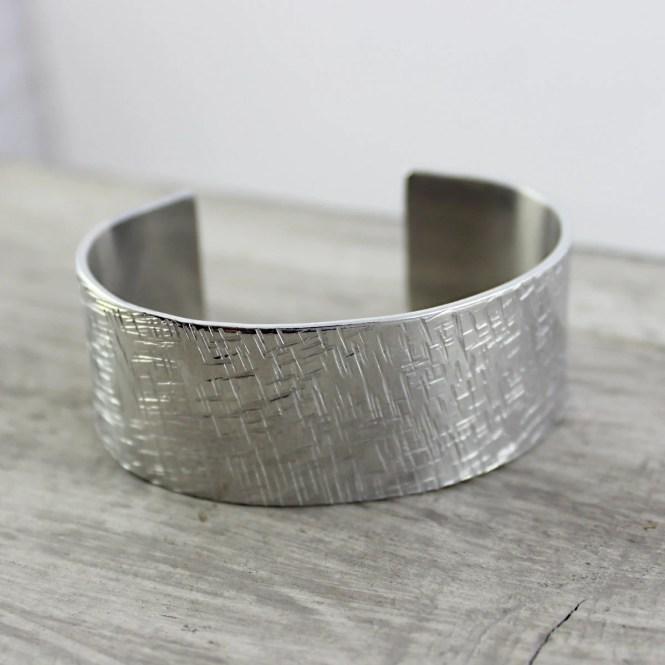 Silver Cuff Bracelet, Metal Bangle Bracelet, Hammered Bracelet, Aluminum Bracelet, Crosshatch Bracelet, Unisex Bracelet, Stamped Bracelet